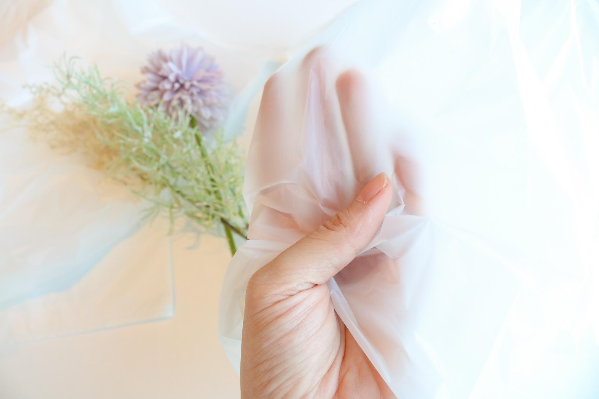 日本サニパック✕ツルハグループ 従来品に比べ約40%のCO2が削減できるポリ袋を発売!
